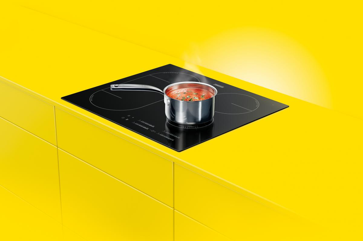 Hob in yellow counter
